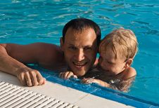 Free Father And Son In The Pool Royalty Free Stock Photo - 15930225