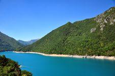 Free Blue Lake In Mountains Royalty Free Stock Image - 15931146