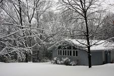 Free House In Snowy Forest Stock Images - 15931244
