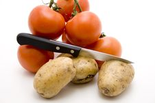 Free Tomatoes And Potatoes Royalty Free Stock Photo - 15937575