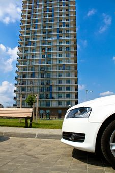 Free Apartment Buildings Royalty Free Stock Images - 15940809