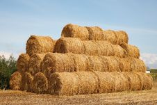 Free Stack Of Hay Bales Royalty Free Stock Photos - 15943298