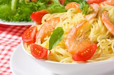 Free Pasta With Shrimps And Tomato Royalty Free Stock Image - 15947016