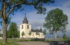 Free Beautiful Country Church In Sweden Royalty Free Stock Images - 15947189