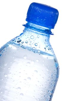 Free Plastic Bottle With Water Drops Royalty Free Stock Photography - 15947357