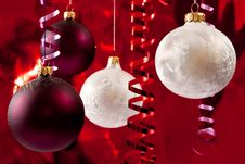 Free White And Red Baubles Royalty Free Stock Photo - 15952755