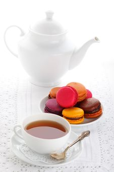Free Teacup With Macaroons Royalty Free Stock Image - 15953346