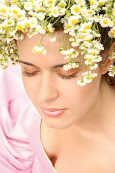 Free Girl With A Flower Wreath Royalty Free Stock Photography - 15955107