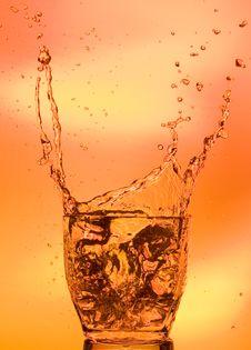 Free Splashing Whisky Royalty Free Stock Photography - 15957037