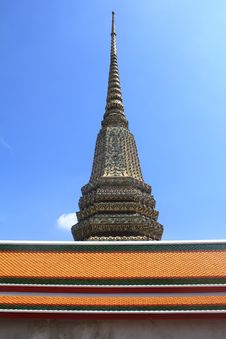 Free Temple Under A Blue Sky In Bangkok Royalty Free Stock Photos - 15960918