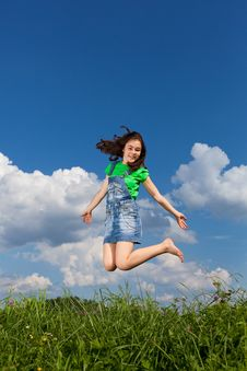 Free Girl Jumping Outdoor Royalty Free Stock Images - 15962969