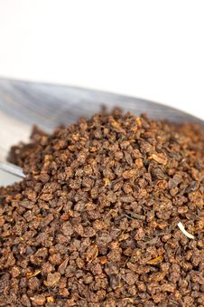 Free Loose Black Tea On White Royalty Free Stock Photos - 15966528