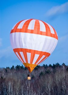 Free The Air Ball In Flight. Stock Images - 15969184