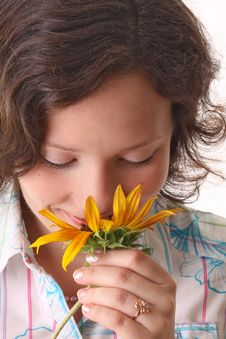Free Woman Sniffs Sunflower Royalty Free Stock Photo - 15969575