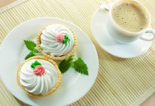 Free Coffee And Small Cakes Royalty Free Stock Photos - 15972948