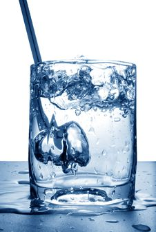 Free Water Splash In Glass Stock Images - 15974814
