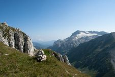 Free Landscape In Mountains Royalty Free Stock Images - 15975959
