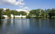 Free Pond At Nikolo-Ugreshsky Monastery, Dzerzhinsky Royalty Free Stock Photo - 15976525
