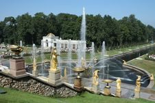 Free Peterghof Fontain Park Stock Photography - 15976882