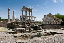 Free Antique Ruins In Ephesus Royalty Free Stock Images - 15977589