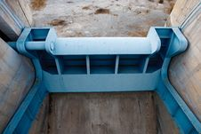 Free Empty Water Reservoir Stock Photography - 15980512