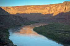 Free Green River Sunrise Stock Images - 15980694