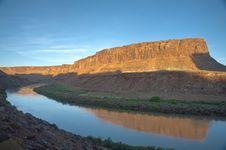 Free Green River Sunrise Royalty Free Stock Photography - 15980697