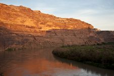 Free Green River Sunrise Royalty Free Stock Photography - 15980727