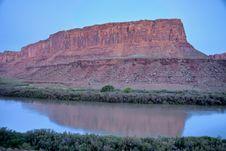 Free Green River Sunrise Stock Image - 15980731