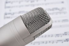 Free Microphone And Notes Royalty Free Stock Photography - 15981557
