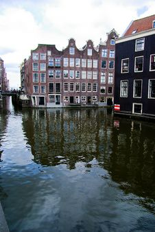 Free Canal With Houses In Amsterdam Royalty Free Stock Photo - 15985025