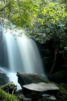 Free Waterfall Stock Photos - 15985513