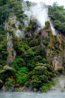 Free Steaming Cathedral Rocks, Waimangu Volcanic Valley Stock Photos - 15985523