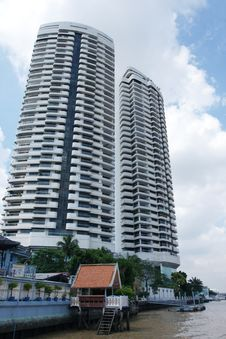 Free Building Near The Chao Phraya River. In Bangkok. Royalty Free Stock Photography - 15985577