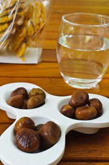 Free Chestnut Stock Photos - 15991363
