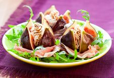 Free Figs With Prosciutto,cheese And Balsamic Vinegar Stock Photo - 15991600