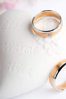 Free Wedding Rings Stock Photo - 15994080
