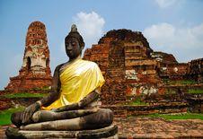 Free Buddha Among The Ruins Royalty Free Stock Image - 15995386