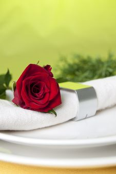 Free Red Rose And Napkin Stock Images - 15997944