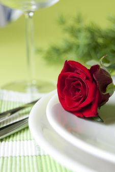 Free Red Rose And Wine Class Stock Images - 15997964
