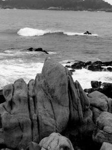 Free B&W Rock By The Sea Stock Photos - 169523
