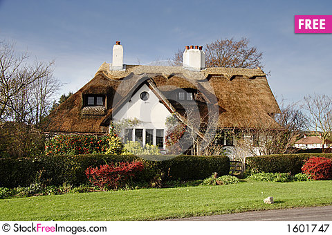 Free Thatched Village Cottage Royalty Free Stock Photography - 1601747