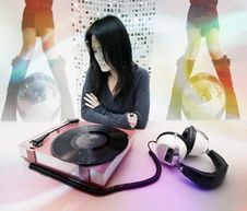 Free Japanese Woman And Music Player Stock Image - 1600731