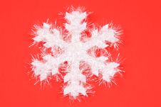Free White Snowflake On Red Background Royalty Free Stock Photos - 1602418