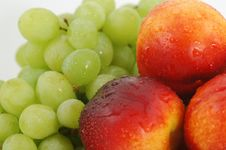 Free Peaches And Grape 02 Stock Images - 1603664