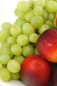 Free Peaches And Grape 04 Stock Photography - 1603682
