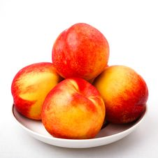 Free Juicy Nectarines On The  Plate Royalty Free Stock Photos - 16003068