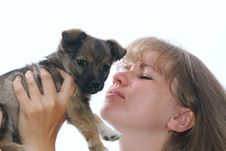 Free The Woman Holds A Puppy Royalty Free Stock Photography - 16004117