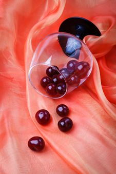 Free Tumbled Glass With Cherries Stock Images - 16005224