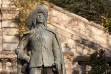 Free Statue Of D Artagnan Royalty Free Stock Images - 16006989